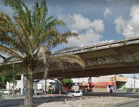Viaduto da avenida Caxangá, no bairro da Iputinga