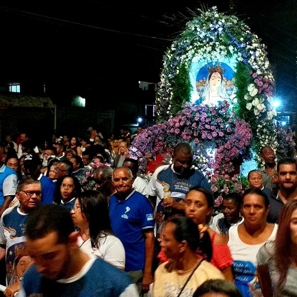 Procissão da Bandeira de abertura da Festa do Morro