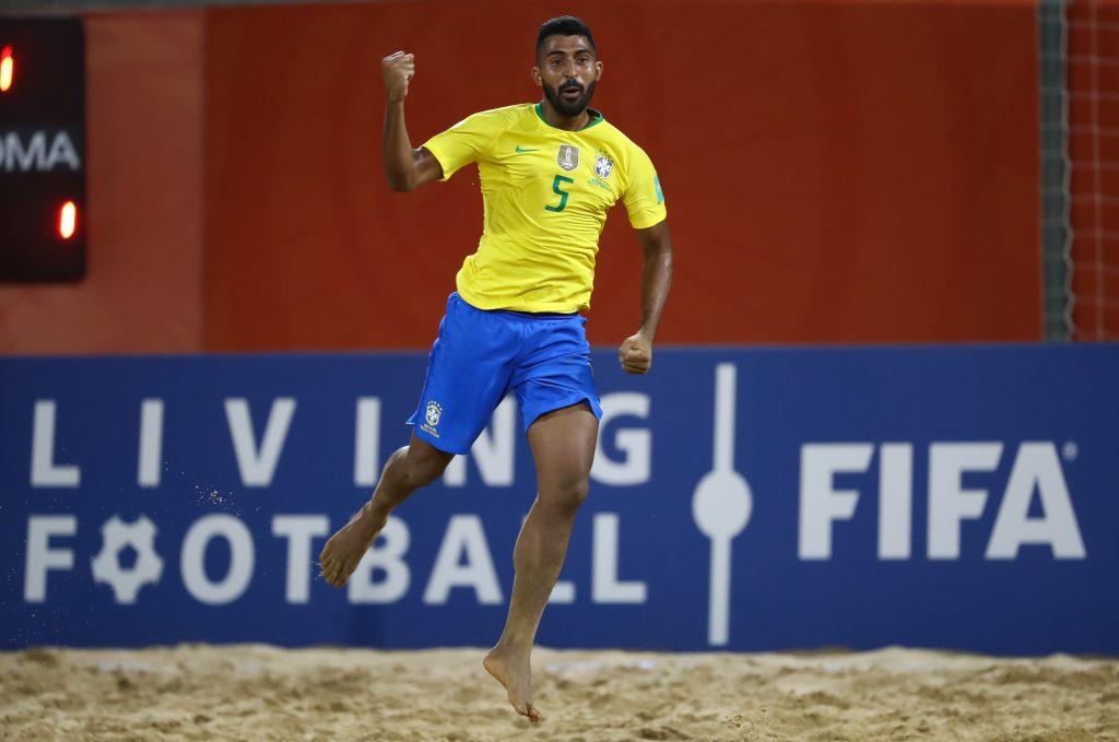 Filipe Silva foi autor de dois gols na estreia brasileira na Copa do Mundo de Beach Soccer