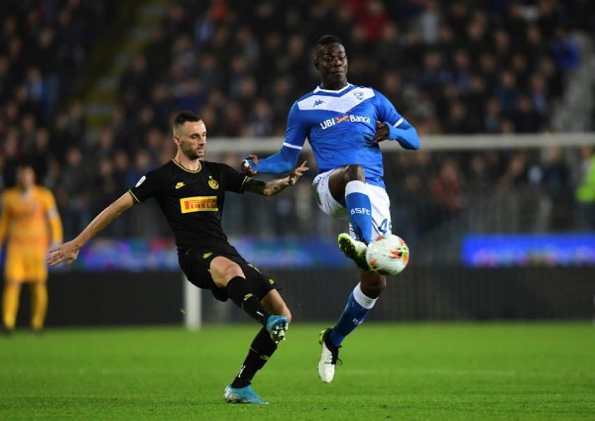 Balotelli em jogo contra a Inter