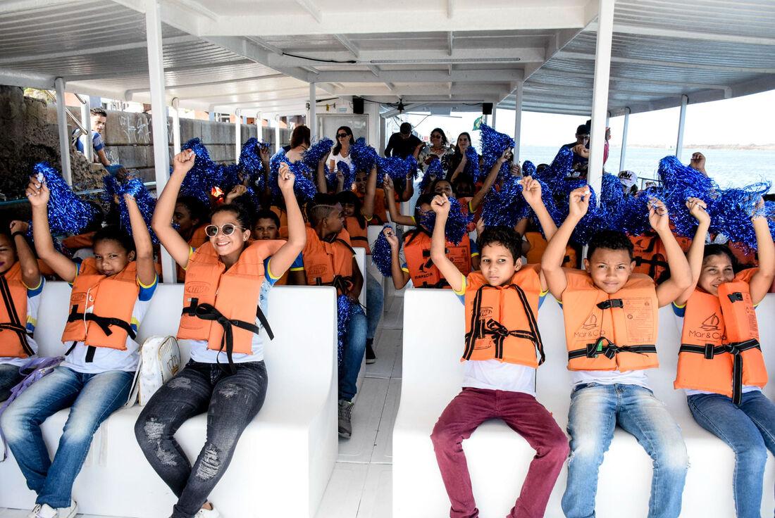 O grupo navegou pelos principais rios da cidade, viu o mangue e os animais que precisam desse ecossistema