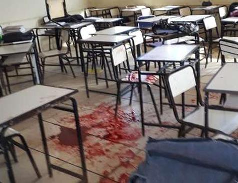 Dois estudantes ficaram feridos