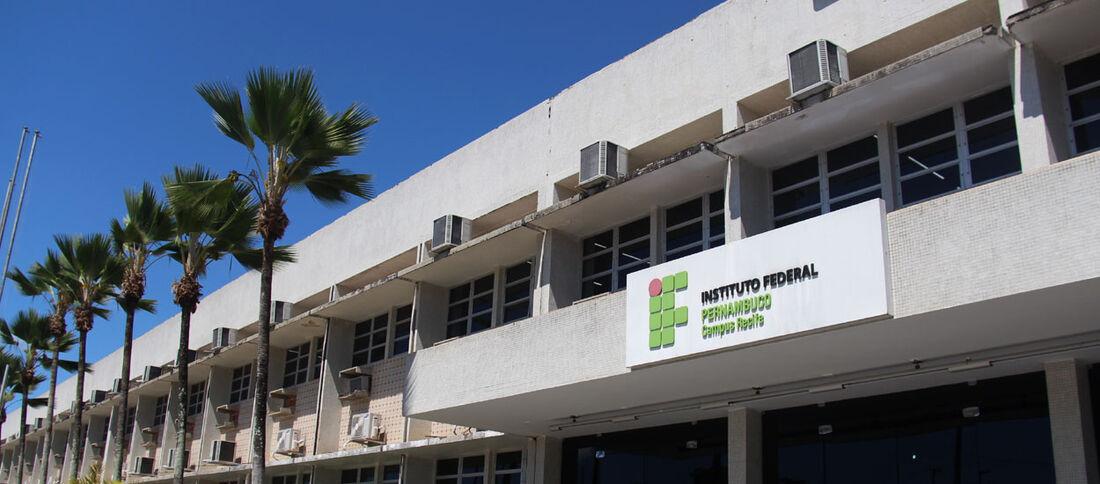 São mais de 900 vagas em cursos à distância oferecidas pelo IFPE