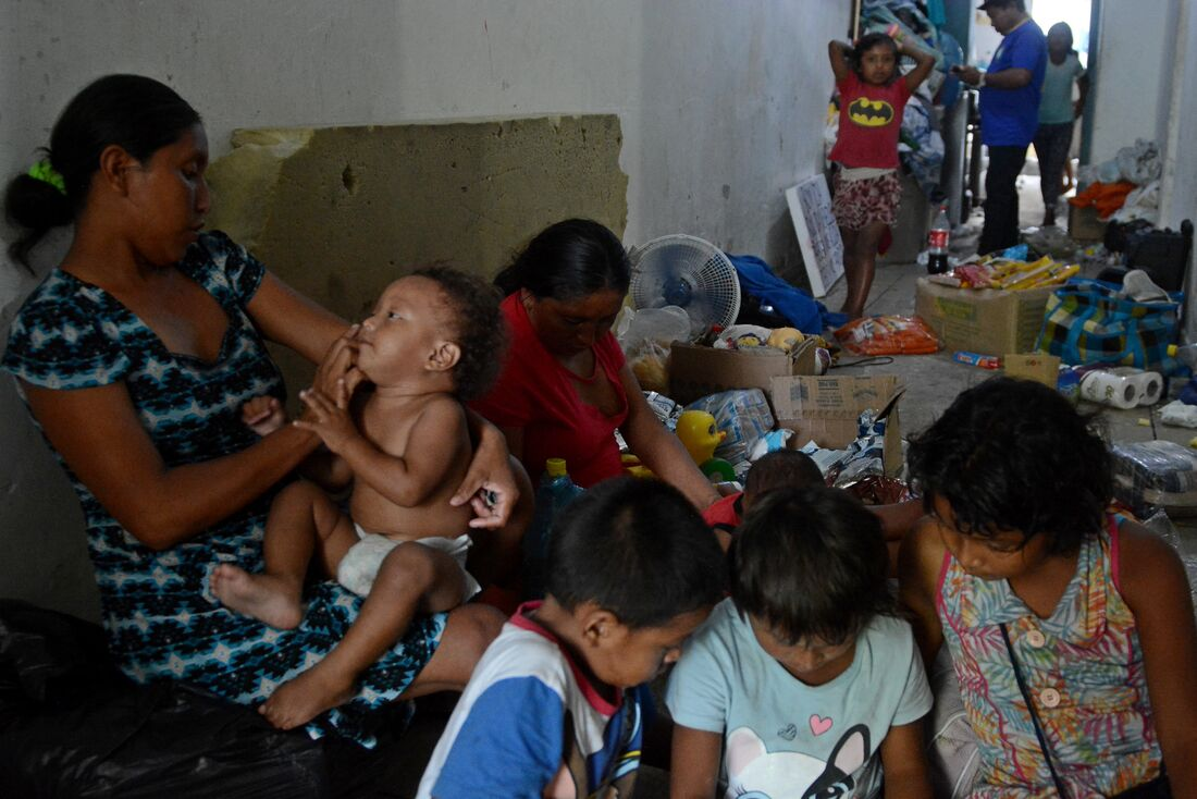 Situação precária dos venezuelanos no Recife