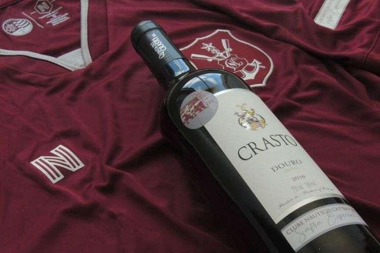 Nova camisa do Timbu é composta pela cor vinho e detalhes brancos