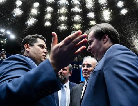 Presidentes do Senado e da Câmara, Davi Alcolumbre (DEM-AP) e Rodrigo Maia (DEM-RJ)
