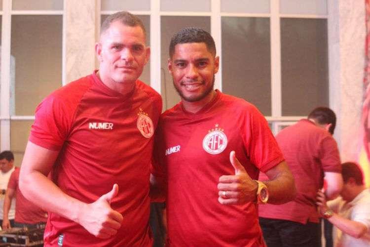 Wallace Pernambucano e Daniel Costa são reforços do América/RN