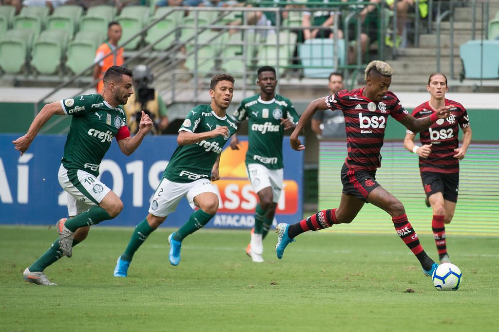 Cariocas e paulistas têm rivalidade marcada por provocações e briga por títulos