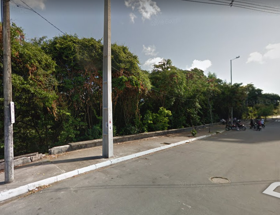 Corpo foi achado nas proximidades da rua Afonso Albuquerque de Melo