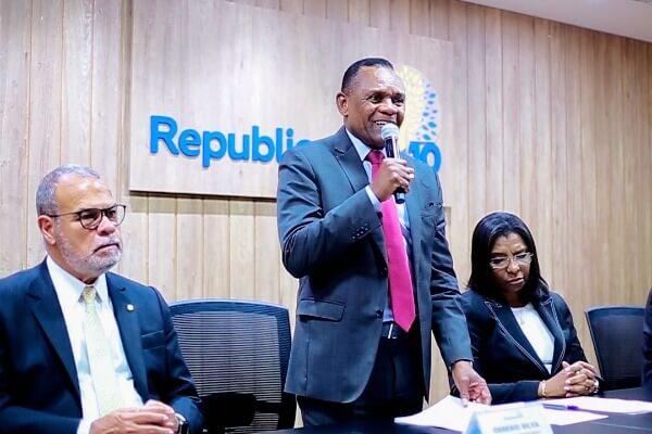 Ossesio Silva assume Secretaria Nacional do Idoso