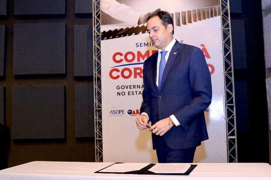 Governador Paulo Câmara quer mais transparência nos contratos assinados entre o Estado e as empresas