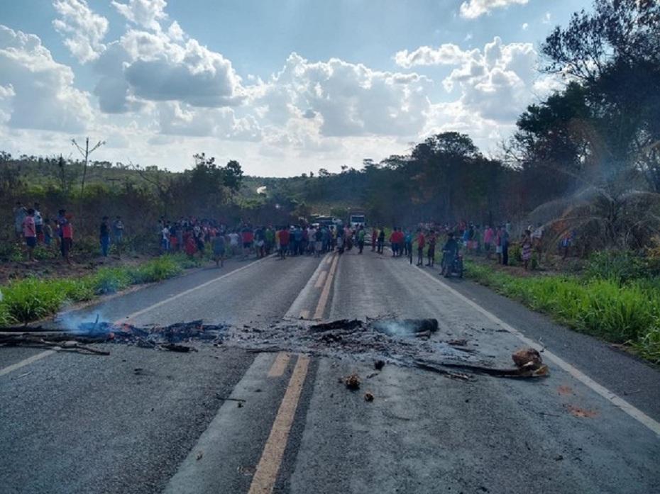 Após atentado, índios bloquearam a BR-226 no Maranhão