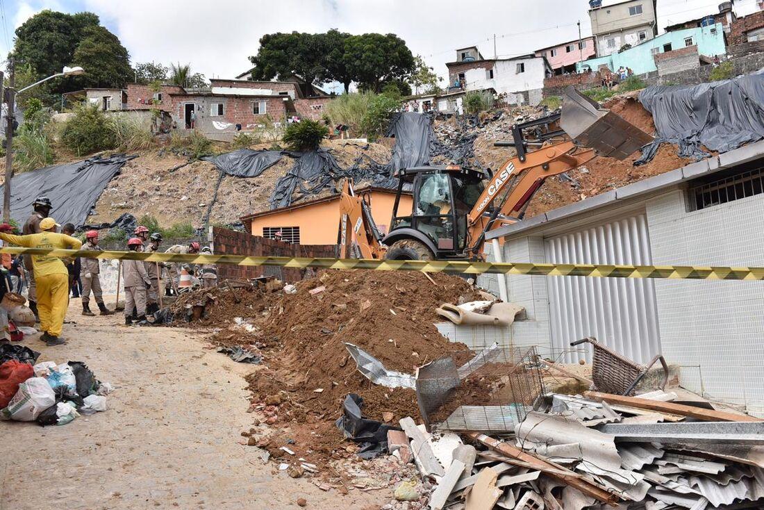Deslizamento deixou sete pessoas mortas