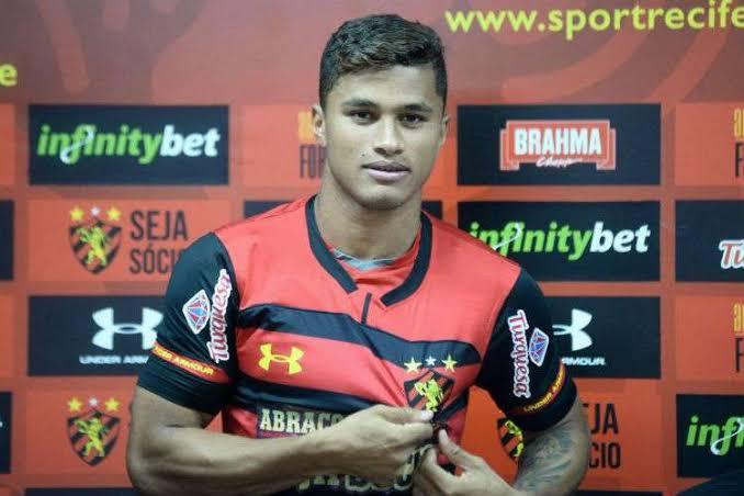 Yan renovou com o Sport até dezembro de 2020