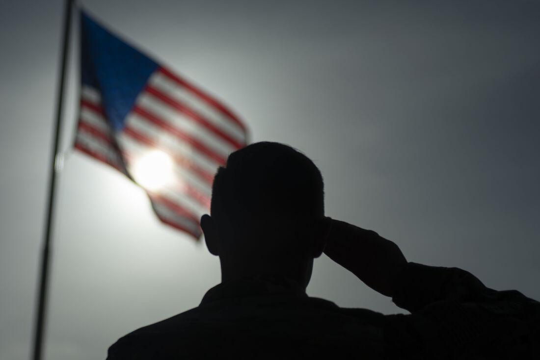 Soldado norte-americano em base dos EUA no Quênia em foto de agosto