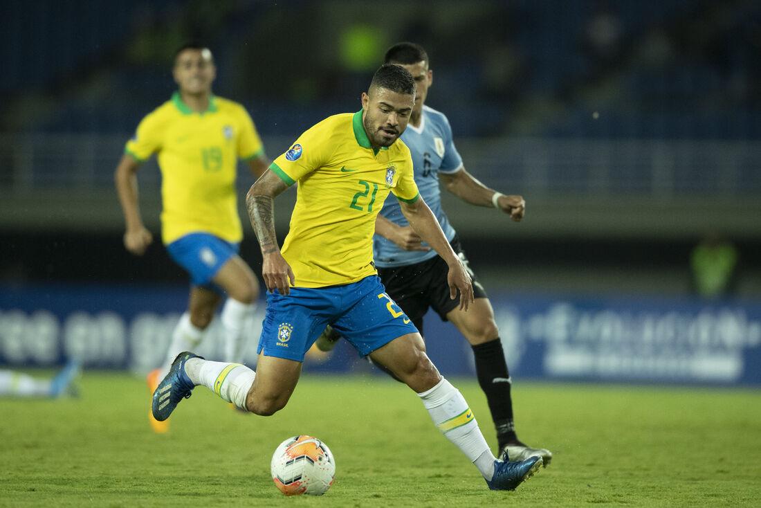 Seleção brasileira sub-23 em confronto pelo Pré-Olímpico