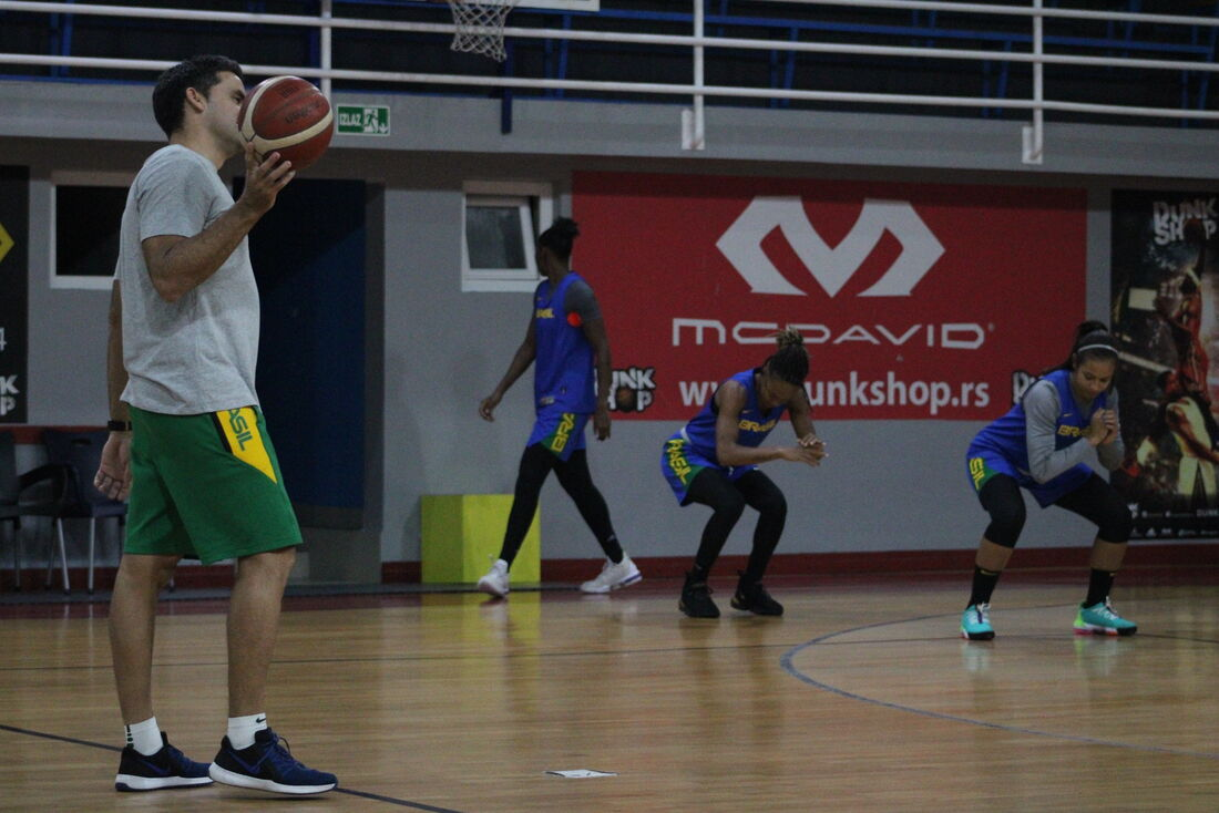 Treino da seleção brasileira feminina de basquete na Sérvia