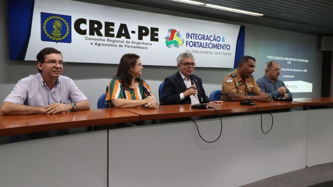 Coletiva de imprensa no Crea-PE