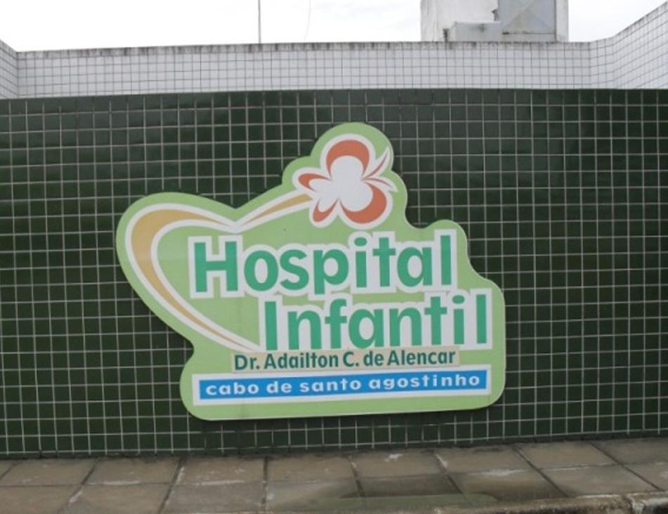 Criança foi levada ao Hospital Infantil do Cabo