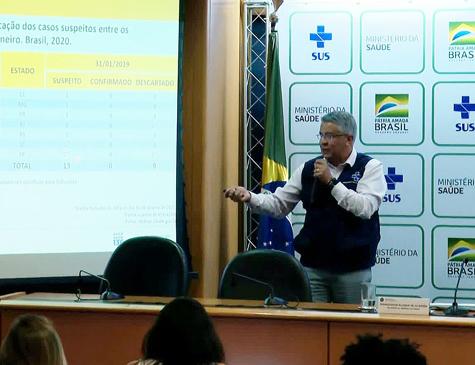 Wanderson de Oliveira, secretário de Vigilância em Saúde, em coletiva no Ministério da Saúde