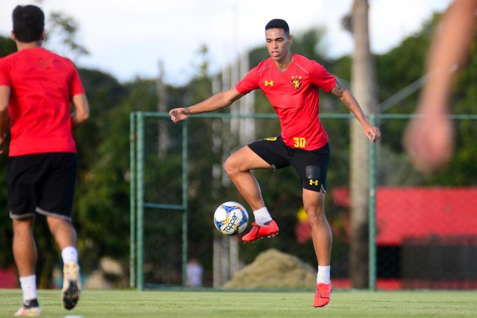Éder Ferreira vai jogar no Atlético/GO na temporada 2020
