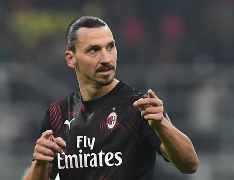Ibrahimovic na partida de estreia pelo Milan