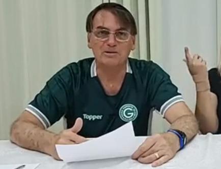 Presidente Jair Bolsonaro em live nesta quinta-feira (9)