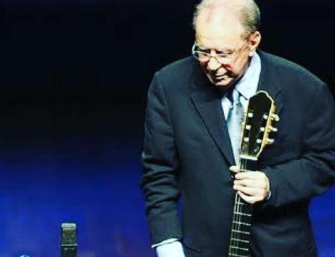 João Gilberto foi homenageado curante cerimônia do Grammy
