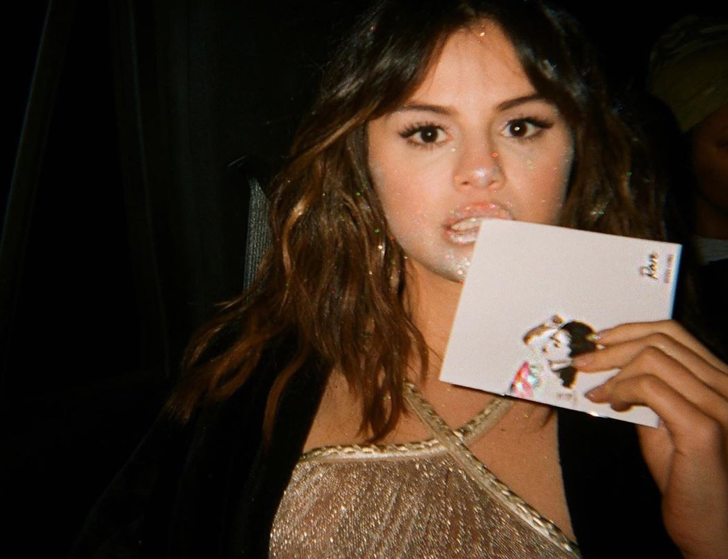 """Selena Gomez com o novo álbum """"RARE"""""""