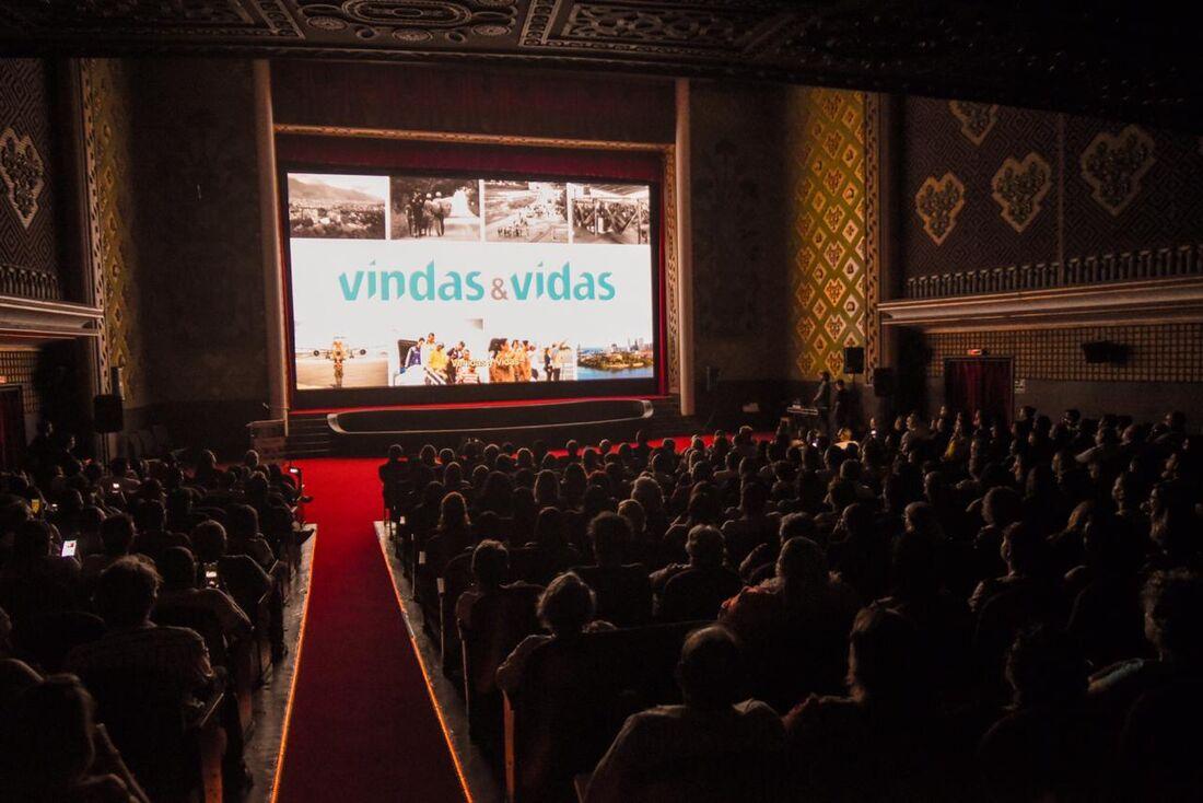 Exibição do filme 'Vindas e Vidas'