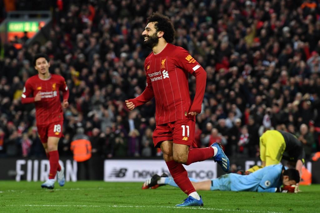 Salah fez dois gols na vitória do Liverpool