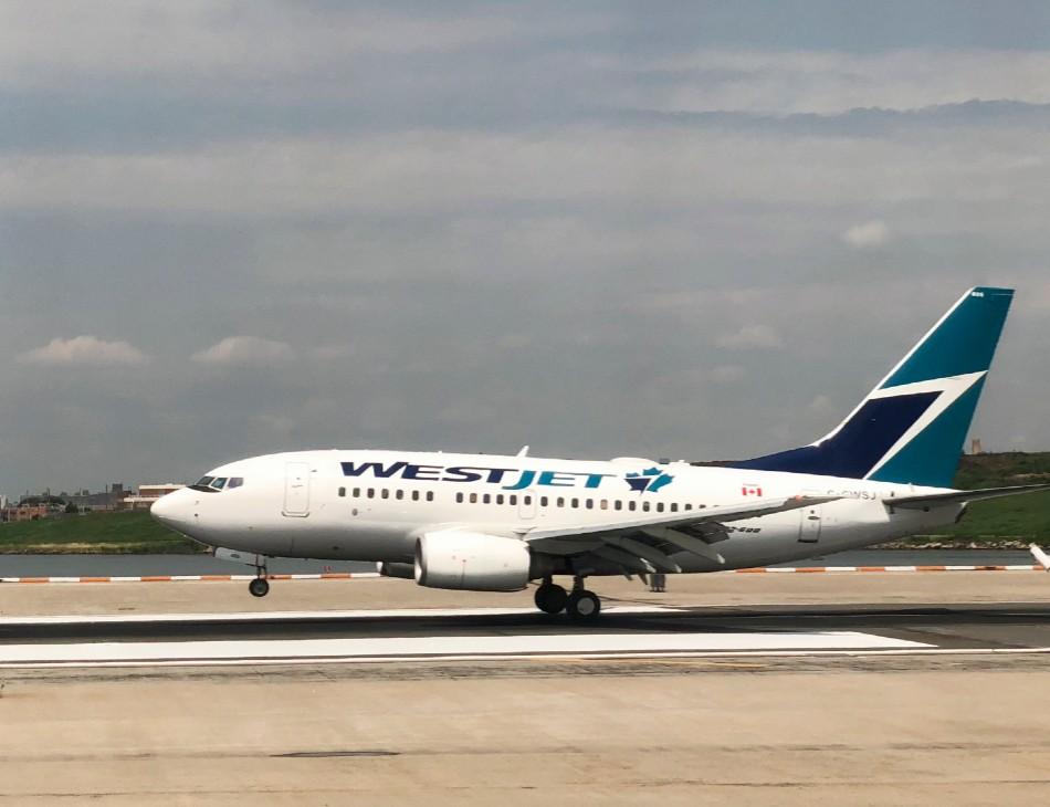 Avião da empresa WestJet foi obrigado a voltar à América do Norte após piada contada por passageiro