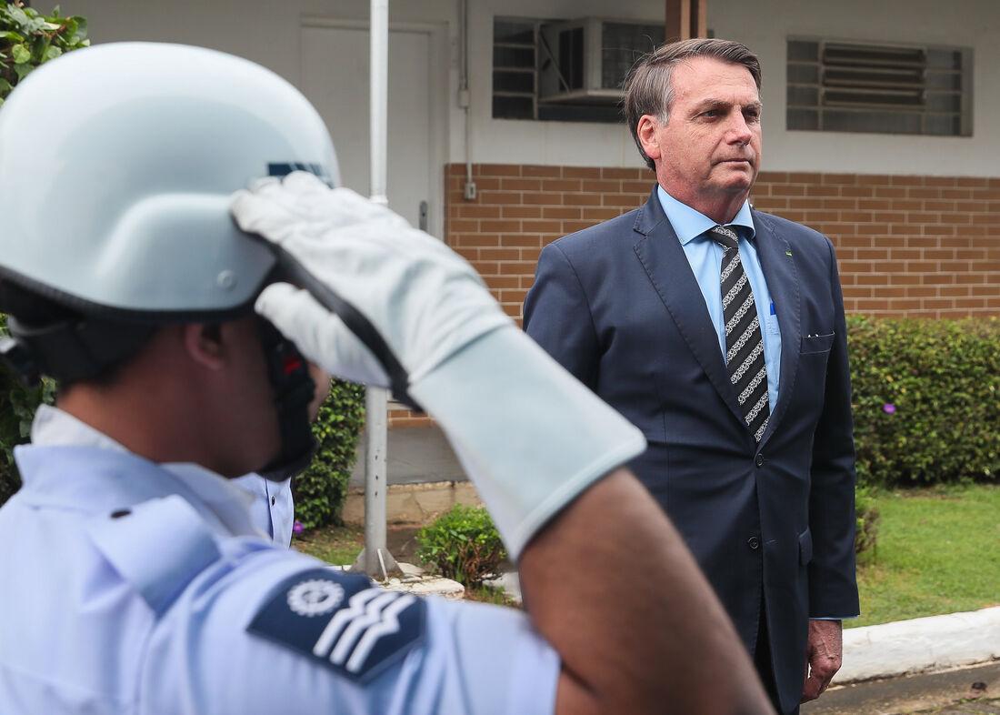 Presidente da República Jair Bolsonaro recebe as Honras Militares