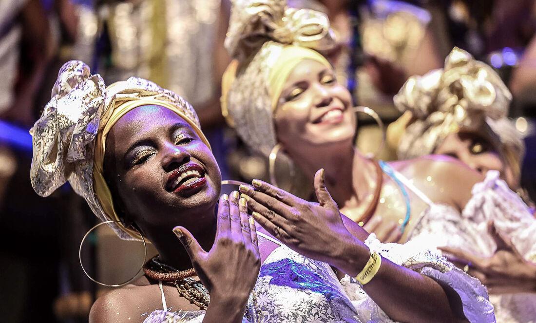 Afoxé Oxum Pandá se apresenta na Pracinha de Boa Viagem