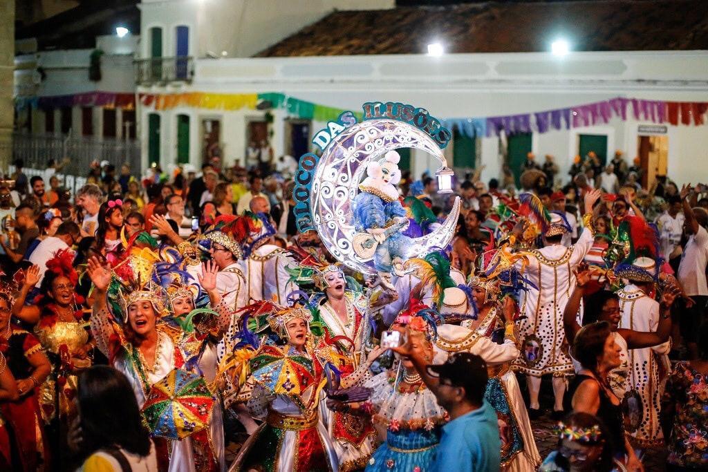 Bloco das Ilusões faz apresentação no Shopping Tacaruna nesta quinta (27)