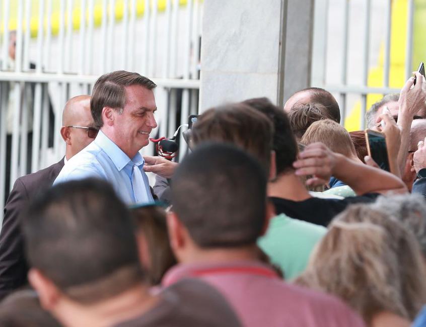 Jair Bolsonaro chegando ao Palácio do Alvorada