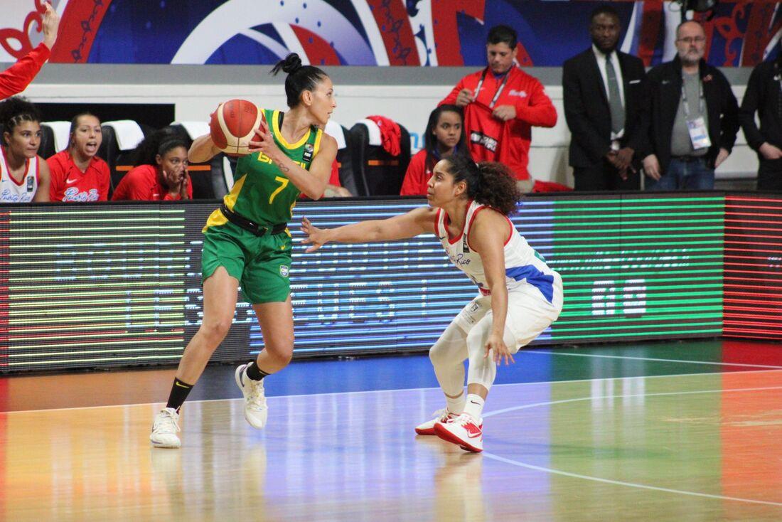 Brasil estreou com derrota no Pré-Olímpico