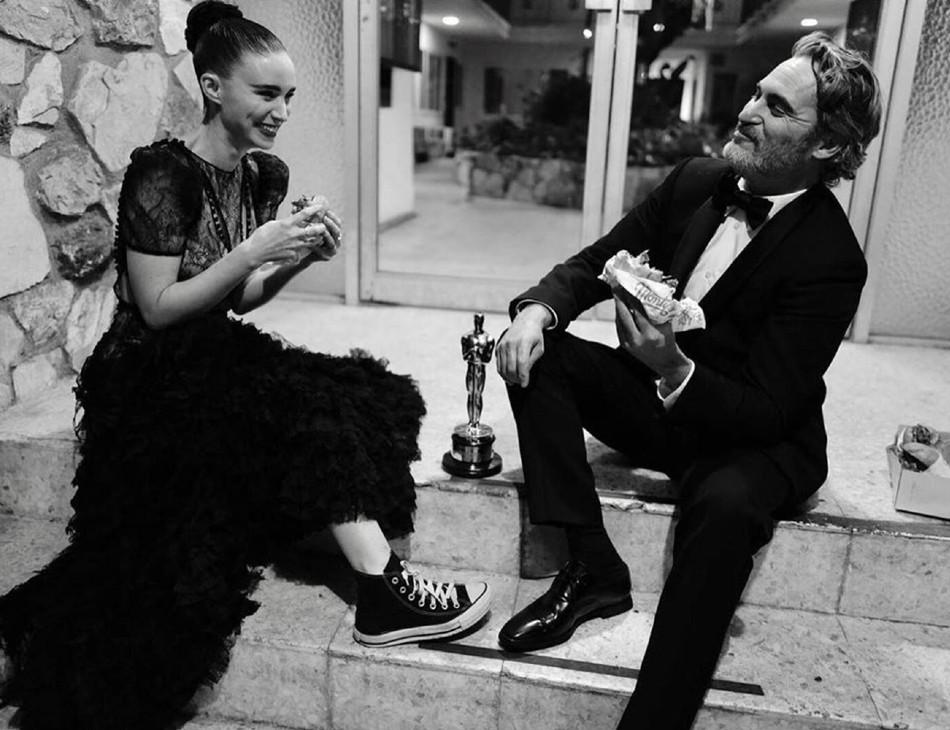 Joaquin Phoenix após a cerimônia do Oscar
