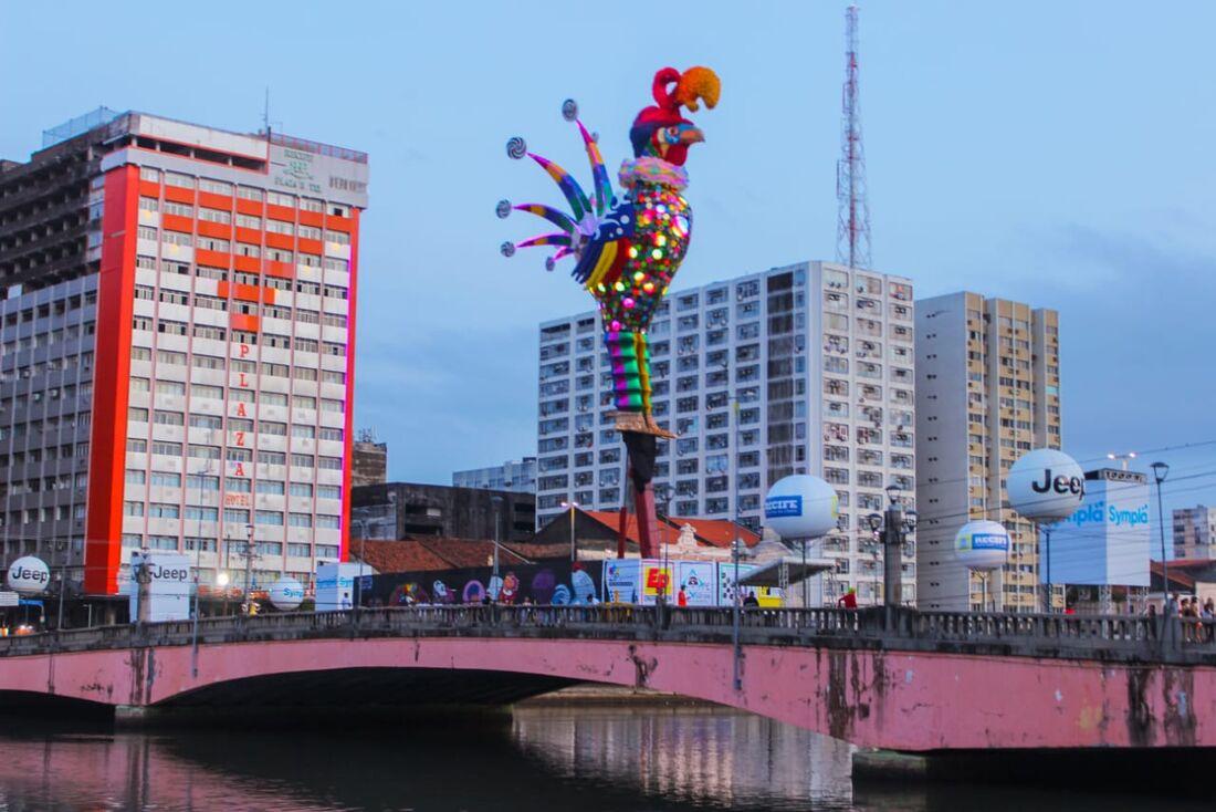 Linhas especiais para o carnaval e paradas provisórias foram criadas
