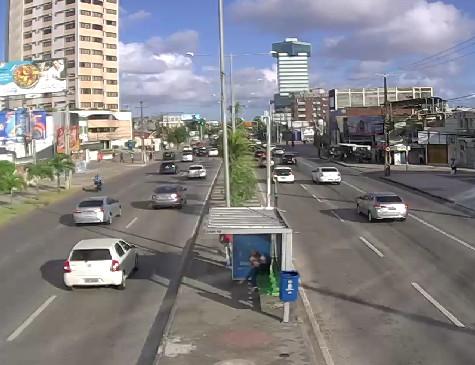 Trânsito na Eng. Antônio de Góes