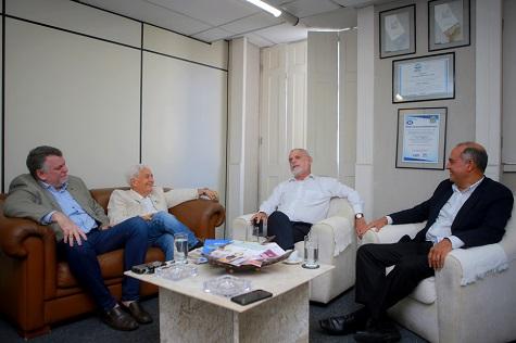 Os cônsules da Eslovênia, Eslováquia e Cabo Verde conversaram com o diretor da Folha de Pernambuco, Paulo Pugliesi