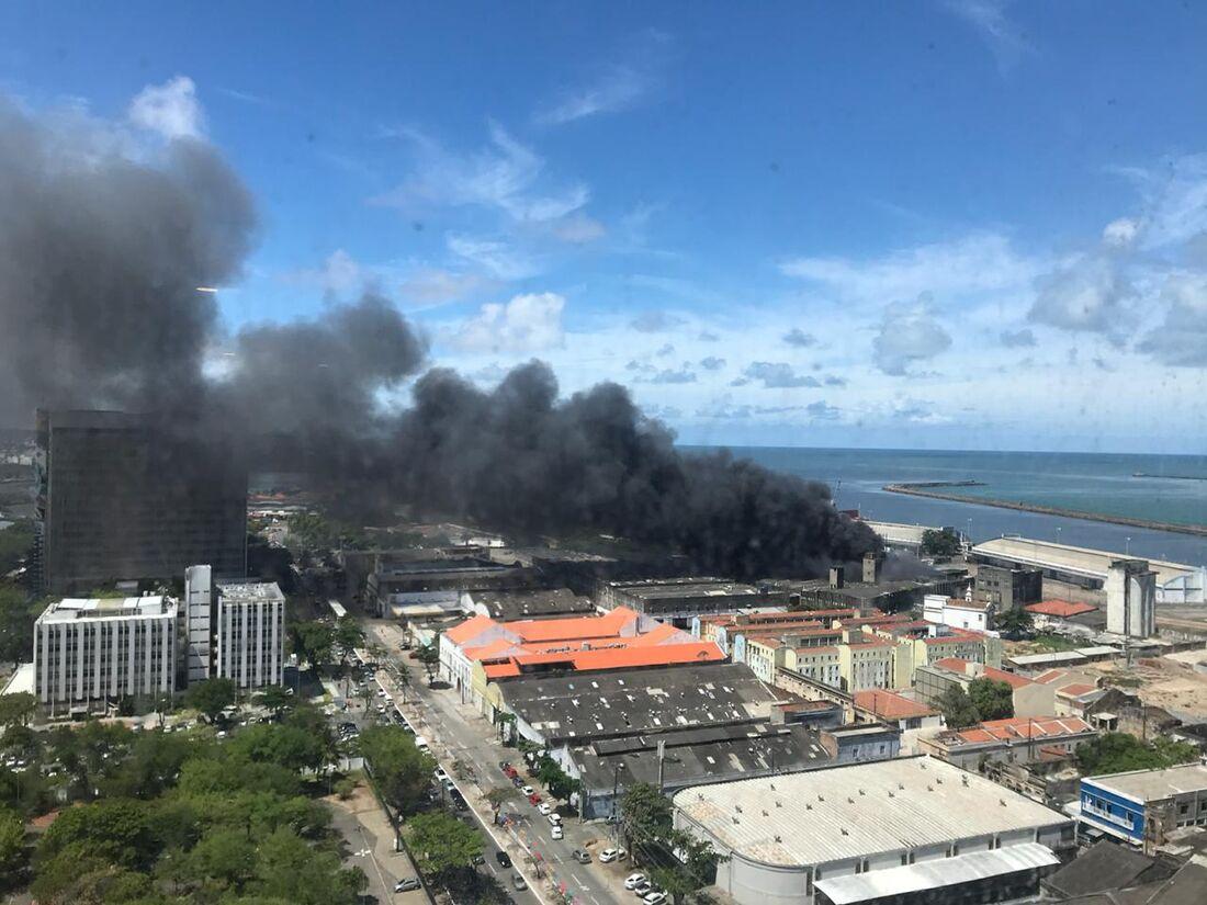 Incêndio atinge casa em Rio doce, Olinda