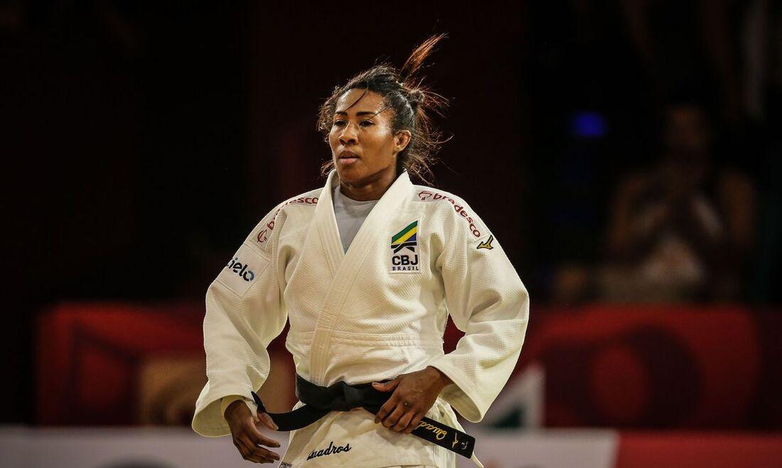 Ketlen Quadros e outras atletas conquistaram cinco medalhas
