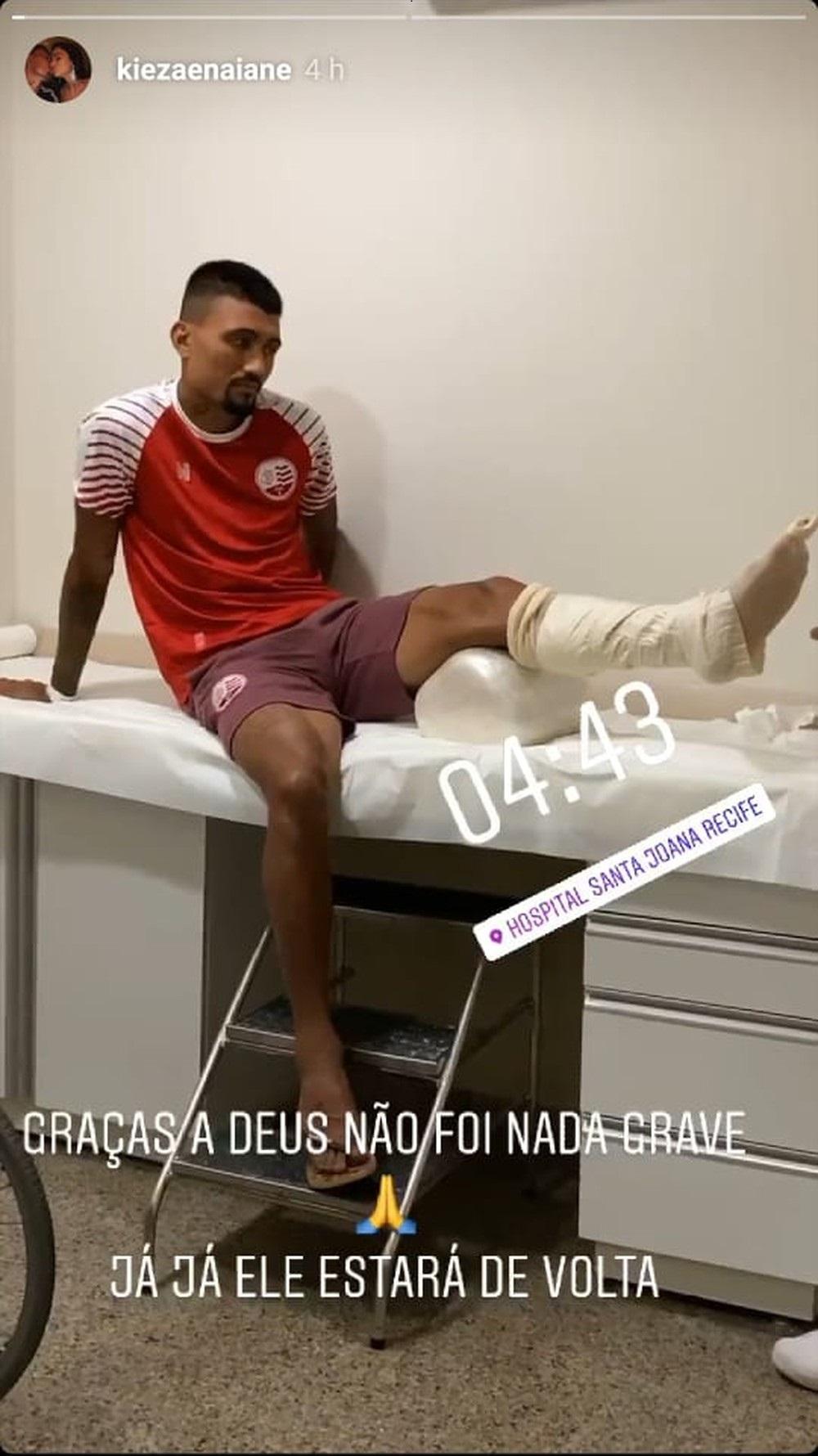 Kieza machucou o tornozelo esquerdo