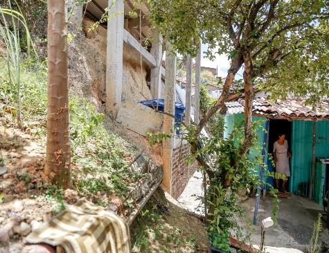 Laje foi construída entre três e seis meses por trás da casa de Lucilene, em Nova Descoberta