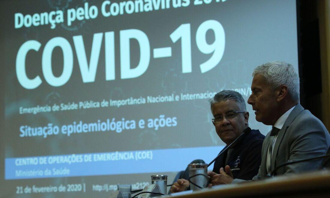 A Organização Mundial da Saúde (OMS) está trabalhando com especialistas para expandir o conhecimento médico sobre o novo coronavírus