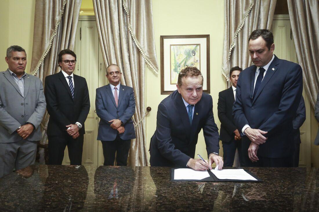 Assinatura do protocolo de intenções entre a SADA Transportes e o Governo de Pernambuco