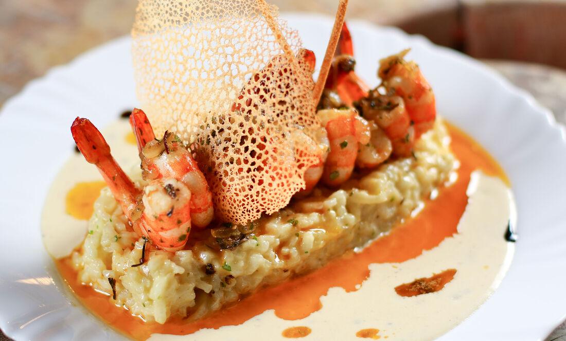 Cozinha internacional é assinada pelo chef Tallys Bastos