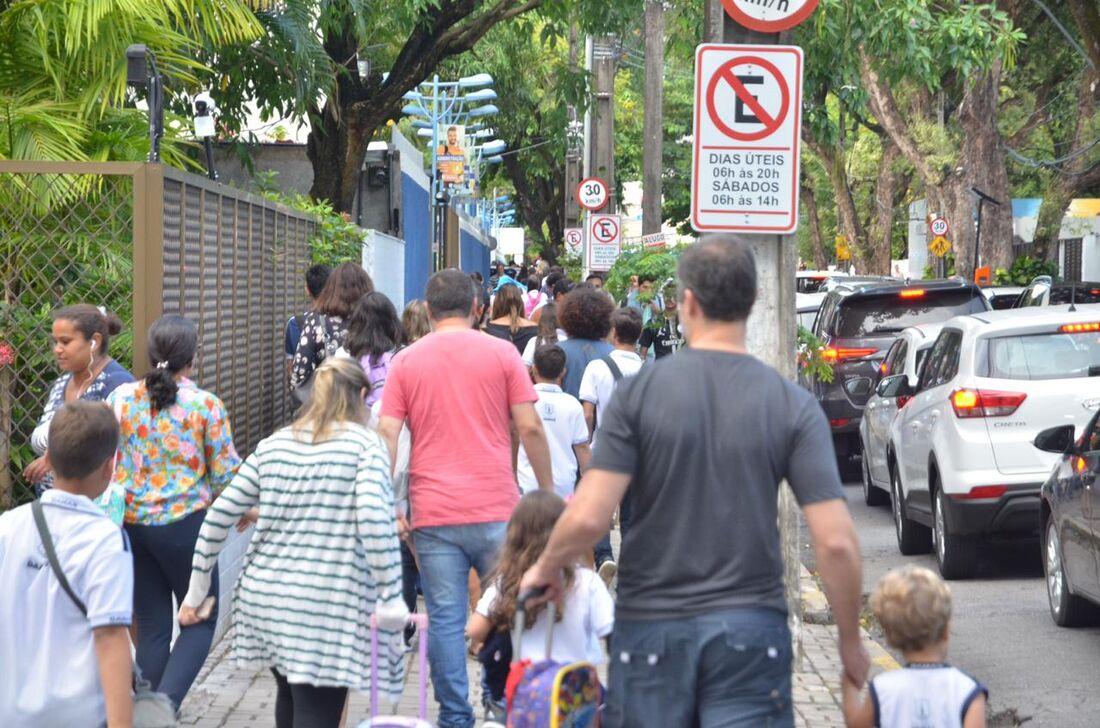 Volta às aulas no Recife.