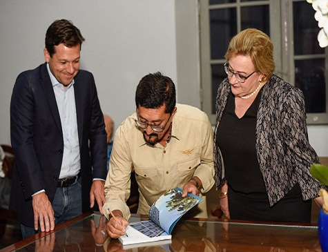 Prefeito Geraldo Julio, jornalista Cicero Belmar e presidente do Imip, Silvia Rissin